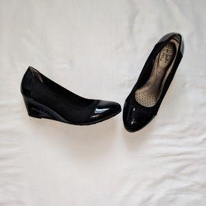 LifeStride Juliana Stretch Comfort Heels